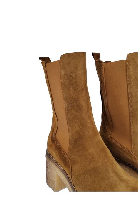 Women's Chelsea Boot in Tan Suede with Matching Side Elastics and Para Sole Spatarella | Ankle Boots | Q3014