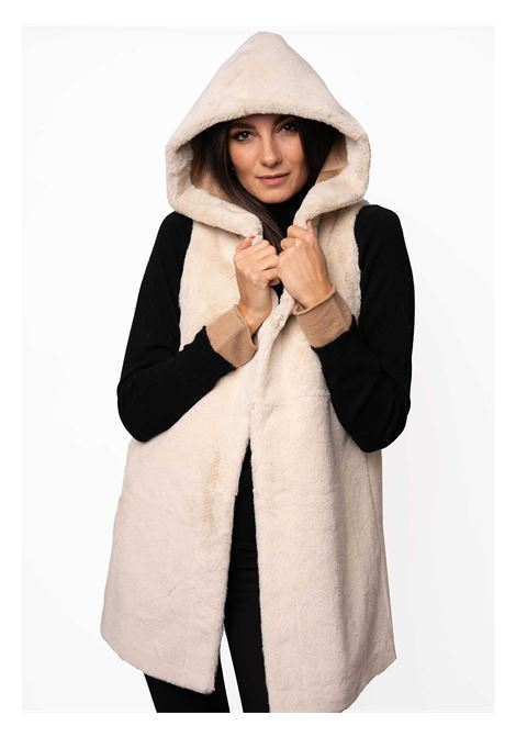 Women's Clothing Coat Waistcoat in Beige Eco-fur and Tan Lining with Hood Spatarella | Coats and jackets | SP21209015