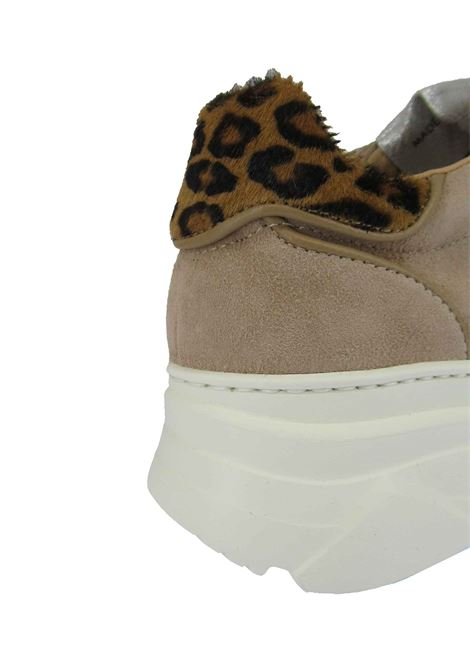 Women's Shoes Lace-up Sneakers in Camel Suede with Animal Print and Wedge Sole Stokton | Sneakers | 421-D500