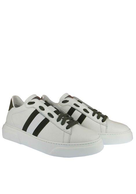 Calzature Uomo Sneakers Stringate in Pelle Bianca con Riporti in Verde e Fondo Gomma Stokton | Sneakers | 650-U101