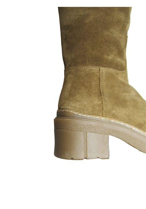 Calzature Donna Stivali in Camoscio Camel con Fondo in Gomma e Zip Laterale Unisa | Stivali | JOSUA023