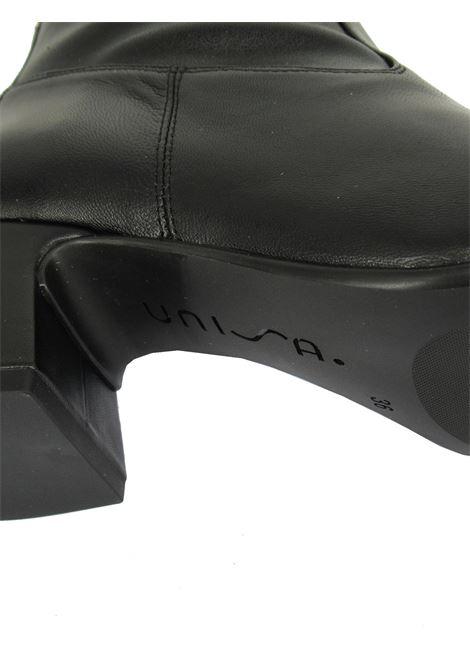 Calzature Donna Stivaletti in Ecopelle Nera Elasticizzata di Colore Nero con Tacco e Punta Quadra Unisa | Stivaletti | MICO001