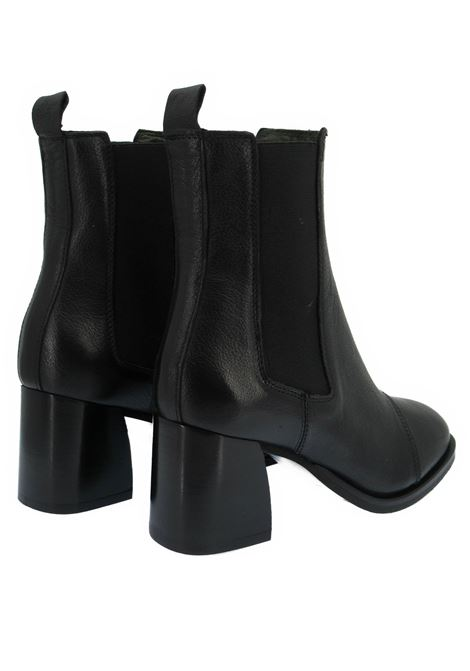 Women's Shoes Beatles Ankle Boots in Black Leather with Elastics in Round Toe and Leather Heel Zoe | Ankle Boots | LEEDS04001