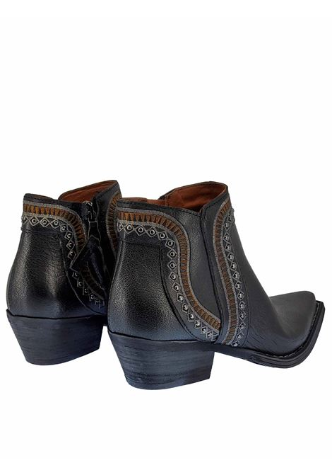 Women's Shoes Texans Ankle Boots in Black Leather with Studs and Side Zip Stitching and Square Toe Zoe | Ankle Boots | NEZ05001