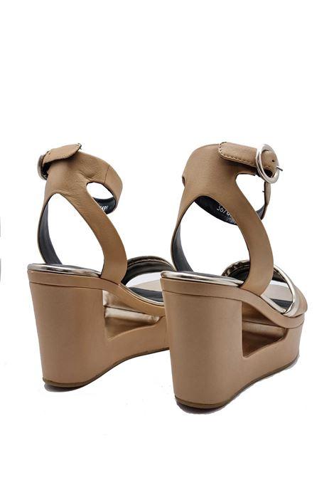 Calzature Donna Sandali in Pelle Camel con Cinturino alla Caviglia e Zeppa Alta Bruno Premi | Sandali | BW6103XPLATINO/CAMEL