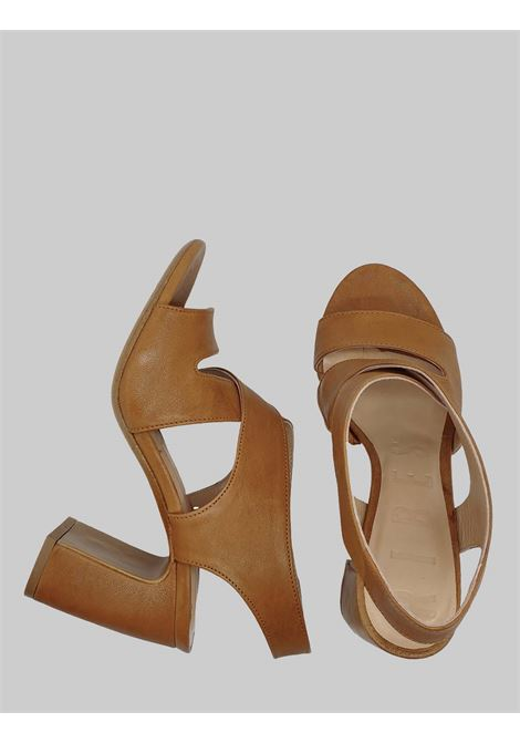 Calzature Donna Sandali in Pelle Cuoio con Cinturino Punta Tonda e Tacco ALto Salvador Ribes | Sandali | ROMA 5CUOIO