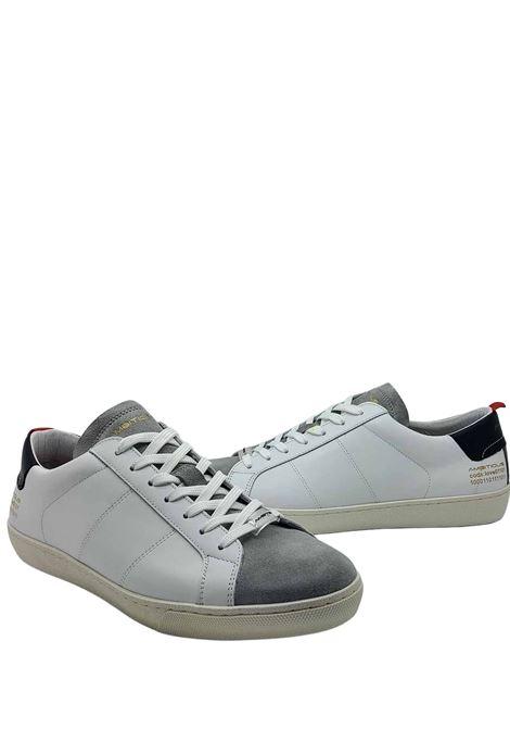 Calzature Sneakers Uomo Stringata in Pelle Bianca e Camoscio Off White con Fondo in Gomma Ambitious | Sneakers | 8102100