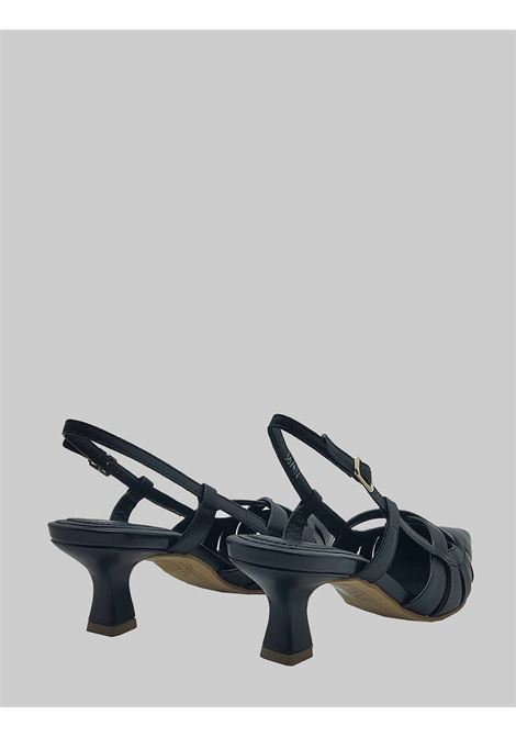 Chanel Women's Shoes in Black Leather with Low Heel Bruno Premi | Sandals | BB0505X001