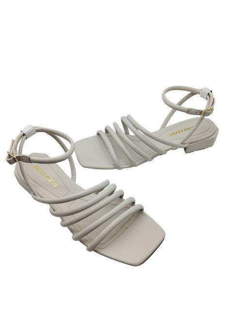 Calzature Donna Sandali in Pelle Bianca con Cinturini Tacco Basso e Punta Quadra Bruno Premi | Sandali | BB0802X100