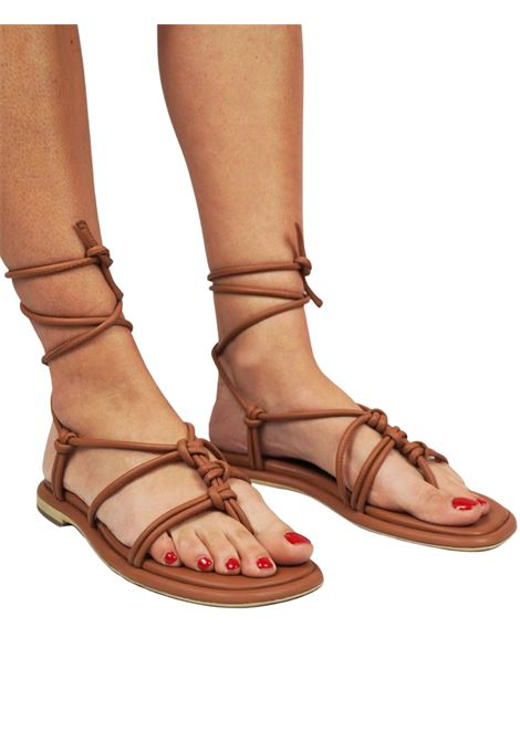 Women's Shoes Flip-Flops Sandals in Tan Leather with Low Heel and Ankle Straps Bruno Premi |  | BB0901X014