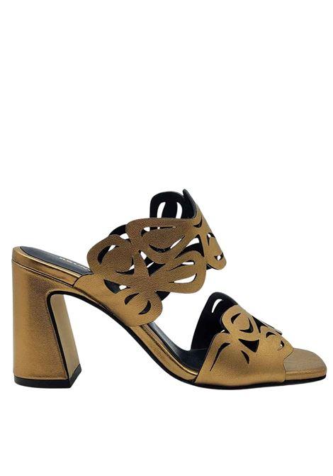 Calzature Donna Sandali Scalzati in Pelle Oro con Tomaia Laserata Bruno Premi | Sandali | BB1503X602