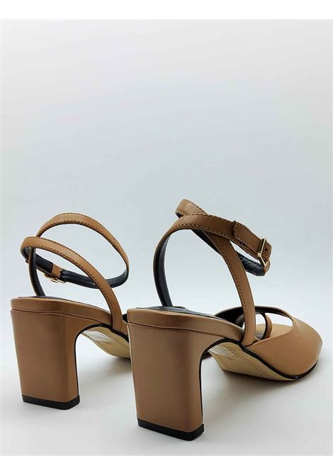 Women's Footwear Sandals Flip Flops in Tan Leather With Ankle Strap Bruno Premi | Sandals | BB2102X200