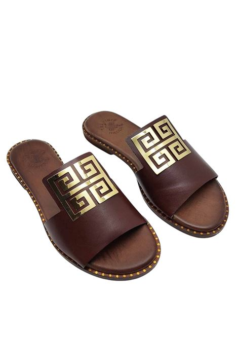 Women's Shoes Flat Sandals in Brown Leather with Large Gold Accessory Exe | Flat sandals | 838013
