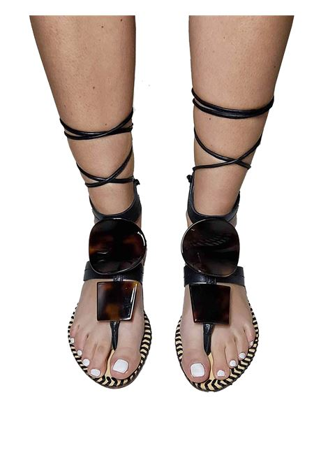 Women's Shoes Low Thong Sandals in Black Leather with Turtle Studs and Ankle Laces Hadel | Flat sandals | 1SA503001