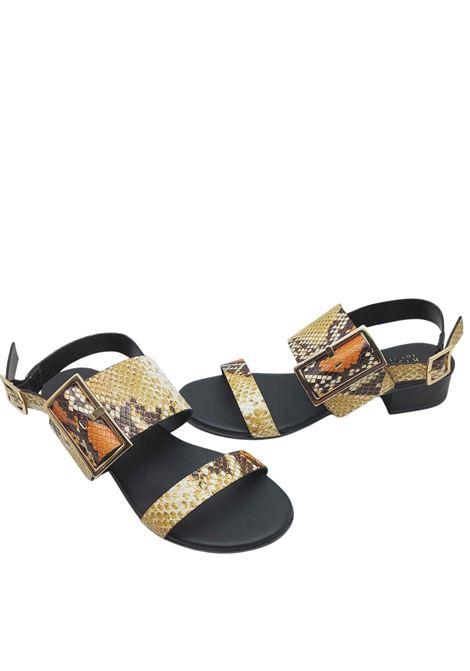 Calzature Donna Sandali in Pelle Stampa Pitone con Fibbia Laterale in Oro e Cinturino Posteriore Hispanitas | Sandali | HV211302502