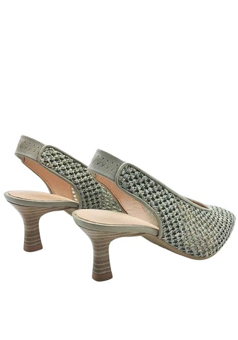 Women's Shoes Chanel Décolleté in Mud Color Net Effect Leather and Elastic in Tint Behind the Heel Hispanitas | Pumps | HV211374021