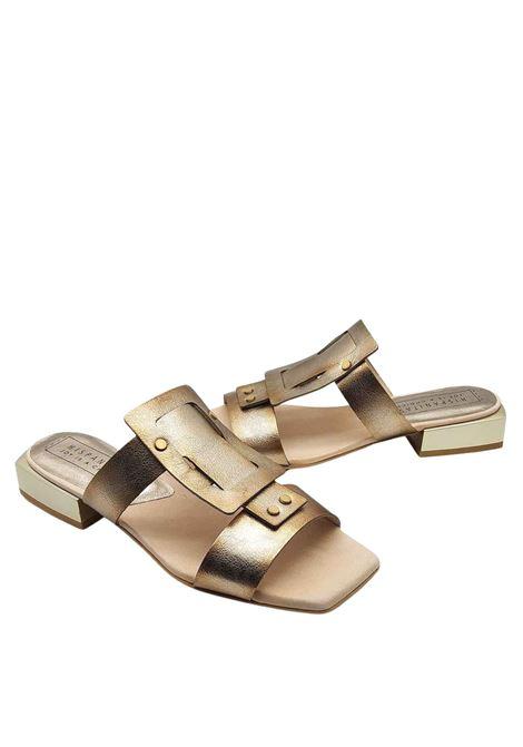 Calzature Donna Sandali in Pelle Laminata Oro Senza Cinturino e Tacco in Metallo Hispanitas | Sandali | HV211390602