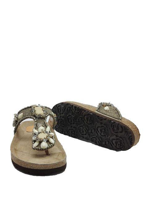 Calzature Donna Sandali Infrabijoux Glamour con Pietre e Perline di Colore Grigio Platino e Fusbbett in Sughero Maliparmi | Sandali | SJ00179101196006