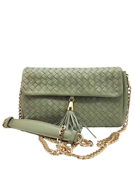 Woman Shoulder Bag in Green Cedar Woven Leather with Pendant and Metal Chain in Gold Pons Quintana | Bags and backpacks | V050005