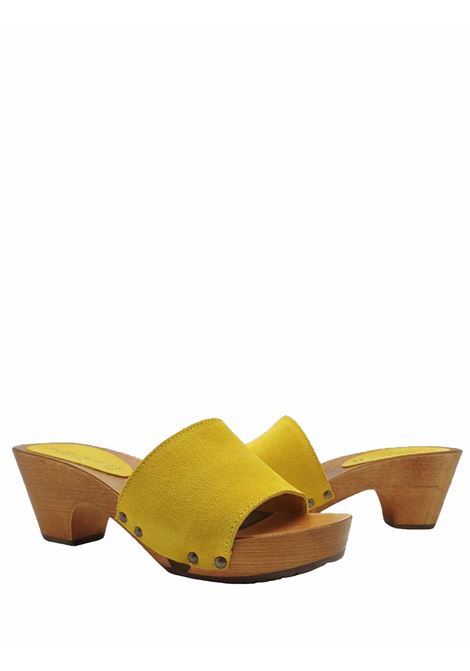 Women's Shoes Sandals Clogs in Mustard Suede with Nailed Upper and Wooden Wedge Sandro Rosi | Sandals | 7056008