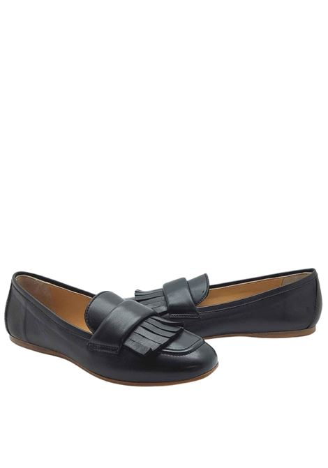 Women's Shoes Loafers in Black Leather with Fringes and Ultra Flexible Leather Bottom Spatarella | Mocassins | 406001