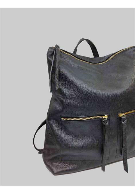 Woman Backpack in Black Leather with Gold Top Zip with Adjustable Leather Straps Spatarella | Bags and backpacks | PE0211001