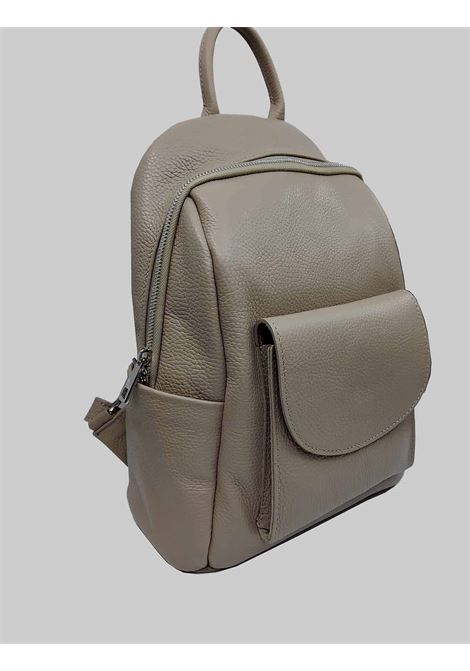Woman Backpacks in Nude Hammered Leather with Front Pocket and Adjustable Leather Straps Spatarella | Bags and backpacks | PE0213300