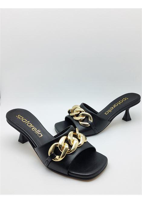 Calzature Donna Sandali Scalzati in Pelle Nera con Catena Oro e Punta Quadra Spatarella | Sandali | SUNNY06001