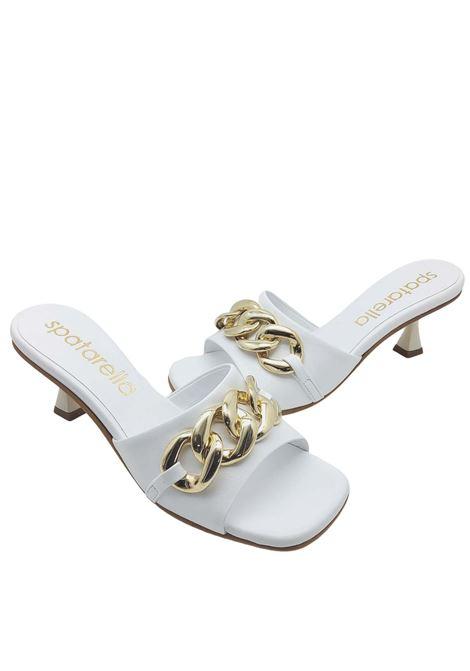Calzature Donna Sandali Scalzati in Pelle Bianca con Catena Oro e Punta Quadra Spatarella | Sandali | SUNNY06100