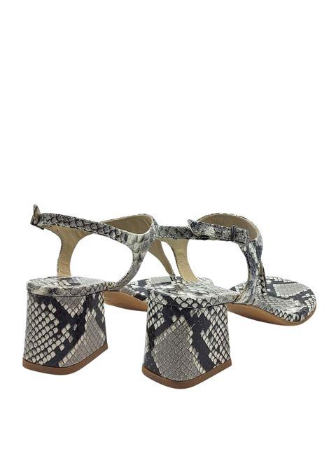 Calzature Donna Sandali Infradito In Pelle Pitonata Roccia Con Cinturino E Tacco Quadrato Tattoo | Sandali | 107502