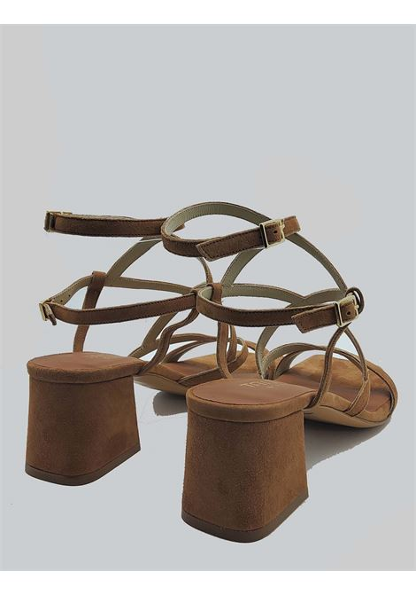 Calzature Donna Sandali In Camoscio Cuoio Punta Quadra Con Cinturini Intrecciati Tattoo | Sandali | 119Q014