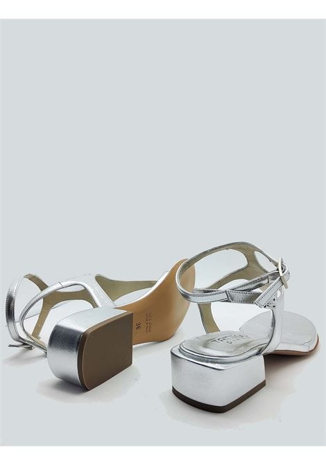 Women's Shoes Thong Sandals In Silver Leather With Low Heel and Strap Closure Tattoo | Sandals | 3019604