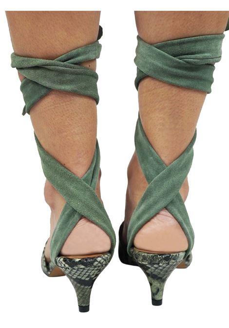 Calzature Donna Sandali in Pelle Verde Stampa Pitone con Lacci alla Caviglia in Camoscio Tono su Tono Toral | Sandali | TL12634006