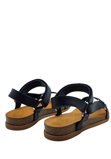 Calzature Donna Sandali Bassi in Pelle Nera con Ganci in Argento Cinturino con Chiusura Velcro Unisa | Sandali | COLIRO001