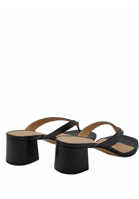 Calzature Donna Sandali Infradito in Pelle Nera con Tacco 50 Unisa | Sandali | KOLMA001
