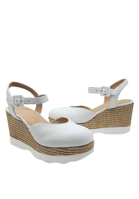 Women's Shoes Espadrilles in White Leather with High Wedge in Straw and Carrarmato Bottom Unisa | Sandals | LAYOSA100