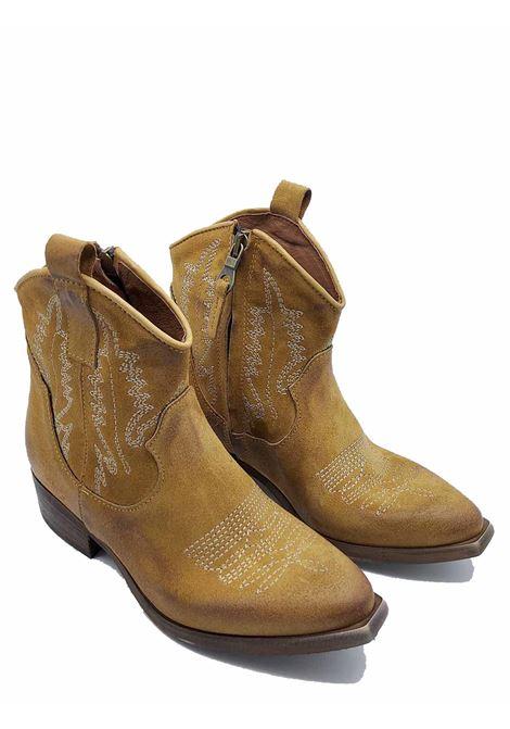 Calzature Donna Stivaletti Texani in Camoscio Camel con Cuinture Zoe | Stivaletti | NEWTEXRIC014