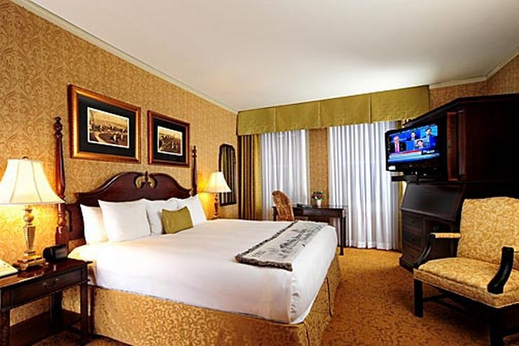 Brown hotel deluxe king a hpg