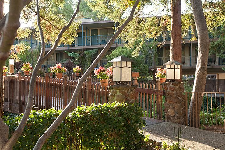 Creekside inn bridge hpg