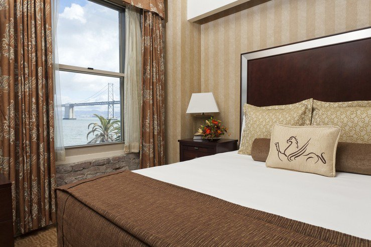 Hotel griffon bay view king sute 13 4 hpg