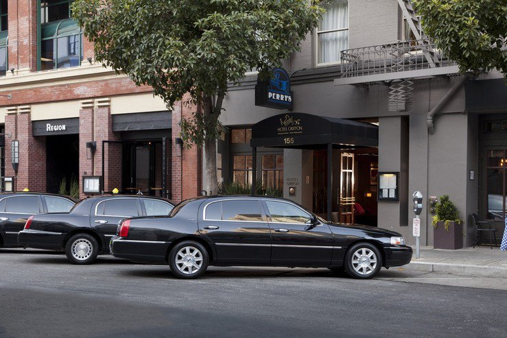 Hotel griffon exterior towncars 2 hpg
