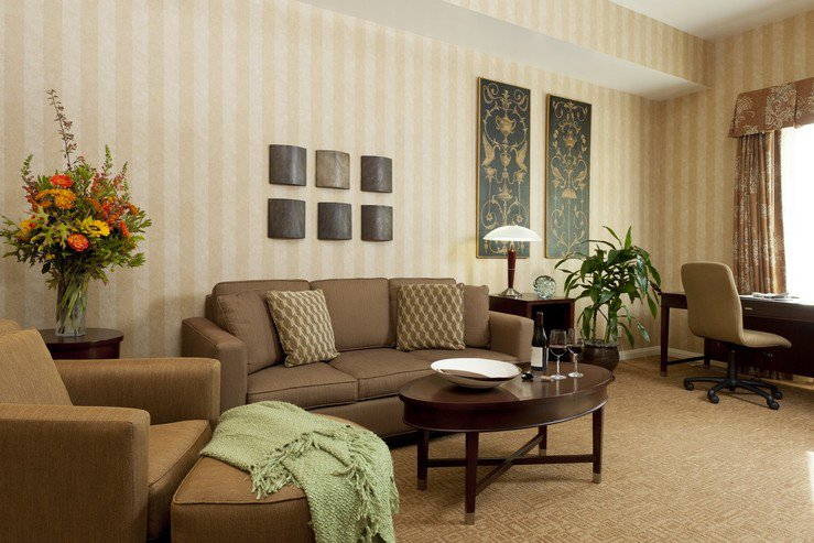 Hotel griffon suite living room area hpg