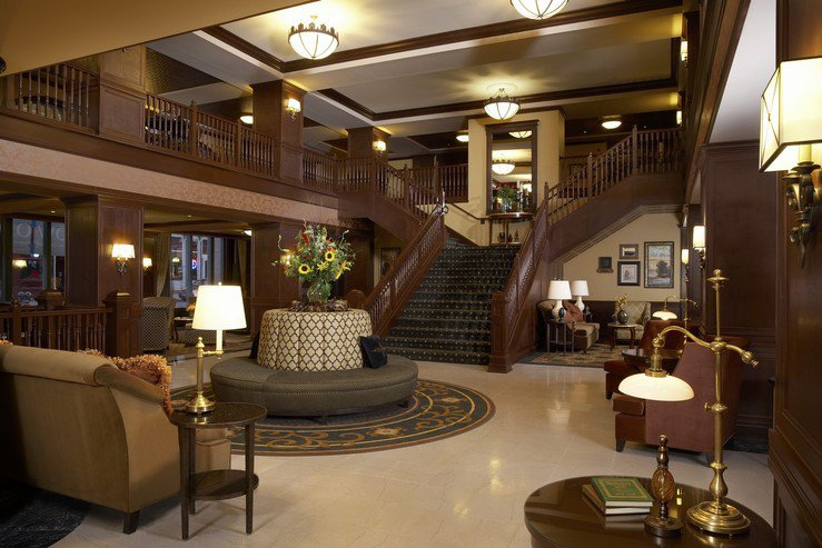 Hotel julien dubuque lobby 1 hpg