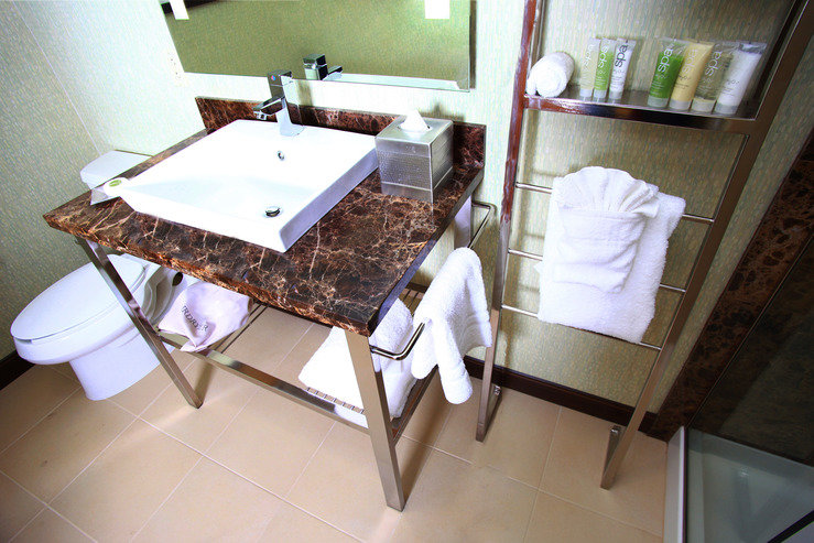 Moonrise hotel bathroom hpg