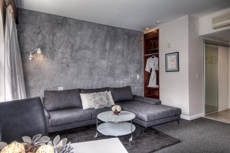 O hotel flower suite living room 1 hpg