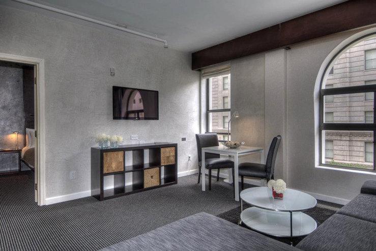O hotel flower suite living room 2 hpg