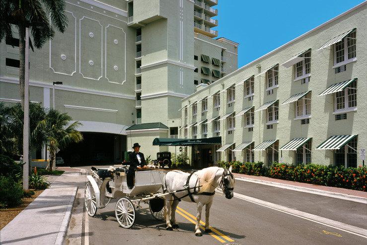 Riverside hotel enterance hpg