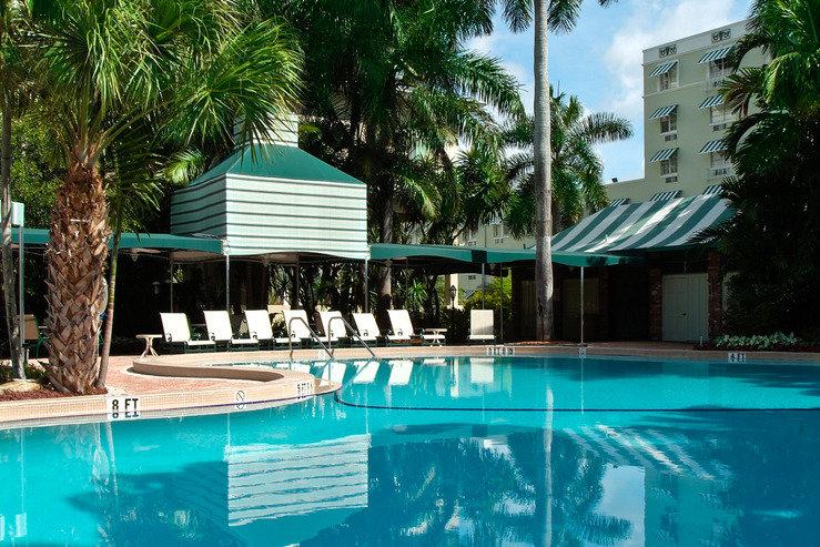 Riverside hotel pool3 hpg
