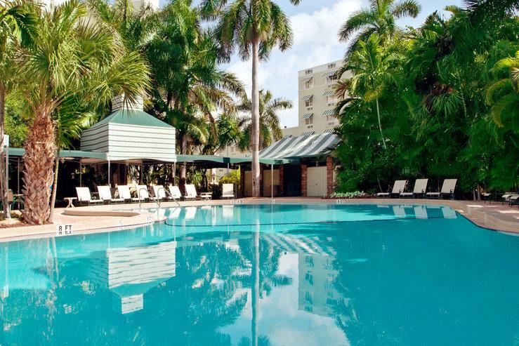 Riverside hotel pool4 hpg