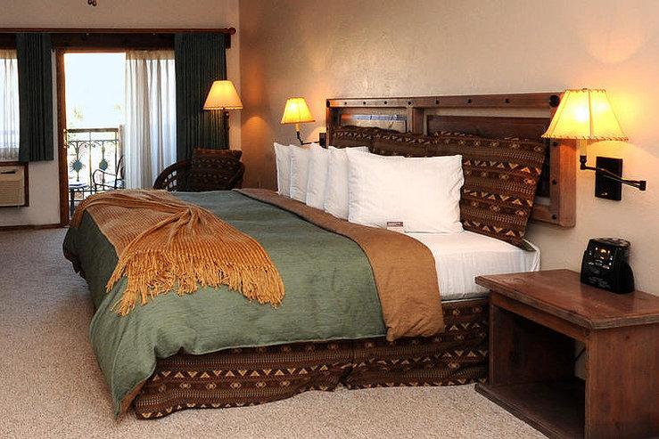 Table mountain inn bed hpg